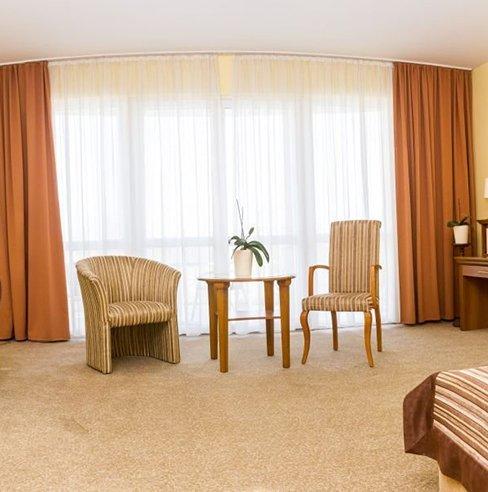 aphrodite-hotel-elnoki-lakosztaly-03